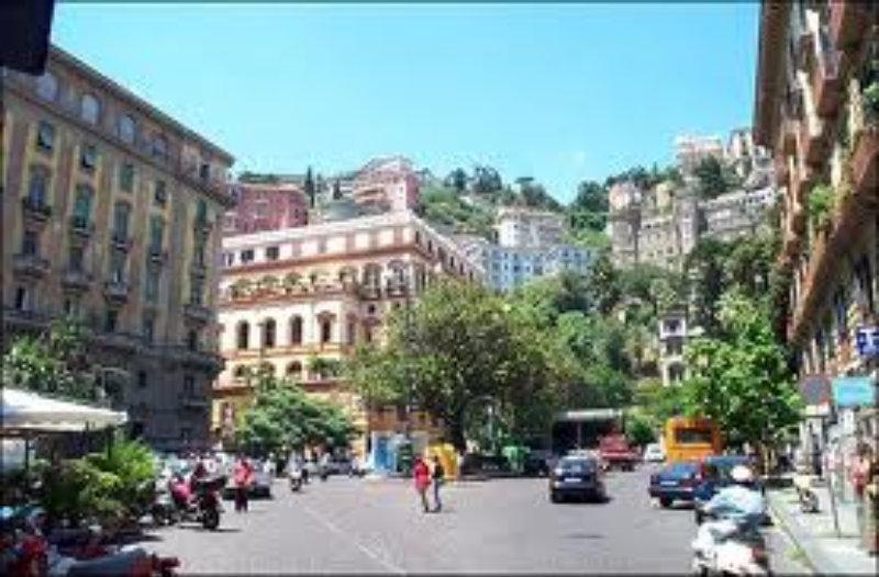 Attico / Mansarda in vendita a Napoli, 8 locali, Trattative riservate | Cambio Casa.it