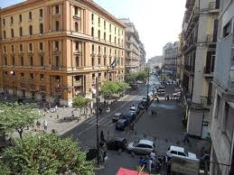 Attico / Mansarda in vendita a Napoli, 16 locali, prezzo € 2.200.000 | Cambio Casa.it