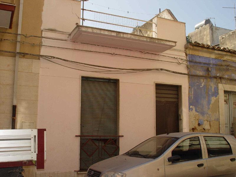 Palazzo / Stabile in vendita a Vittoria, 4 locali, prezzo € 38.000 | CambioCasa.it