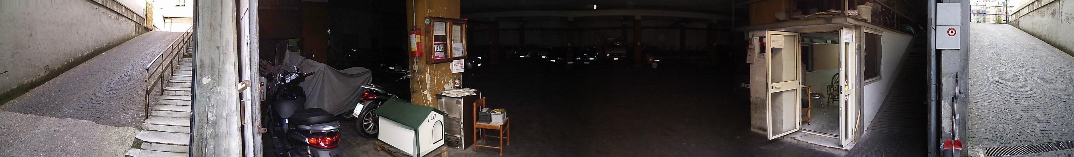 Palazzo / Stabile in vendita a Casoria, 30 locali, Trattative riservate | CambioCasa.it