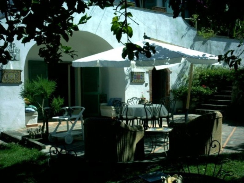 Villa in vendita a Massa Lubrense, 6 locali, prezzo € 1.300.000 | Cambio Casa.it