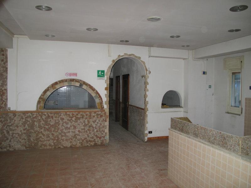 Ufficio / Studio in vendita a Pozzuoli, 9999 locali, prezzo € 2.500 | CambioCasa.it